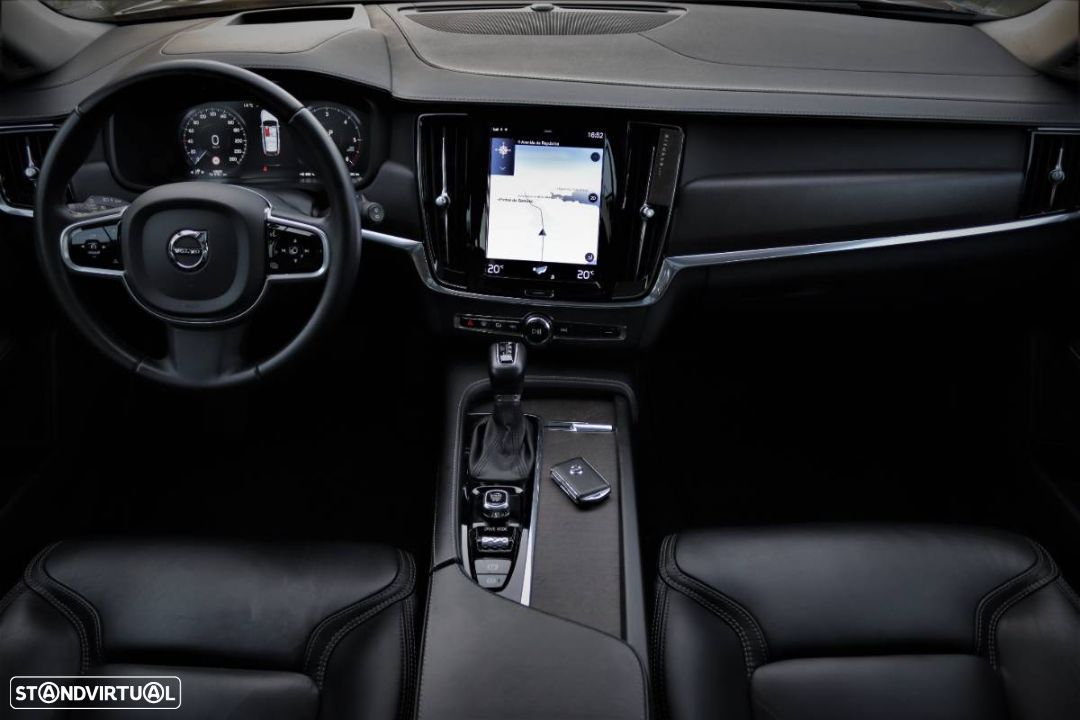 Volvo V90 Cross Country 2.0 D4 Pro AWD Geartronic - 19