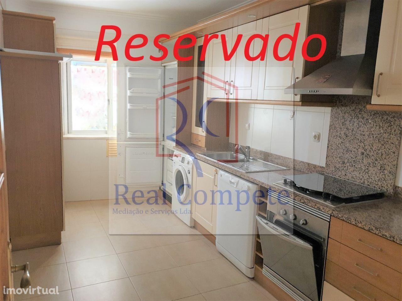 Apartamento T2 em Santa Marta do Pinhal - Corroios