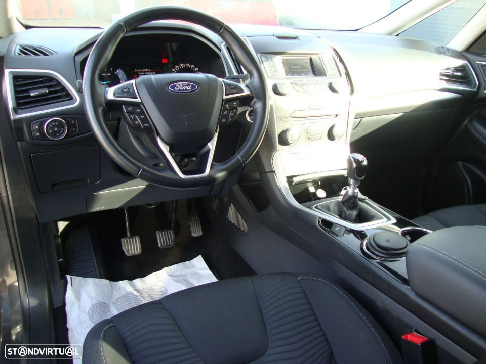 Ford S-Max 2.0 TDCi Trend - 30