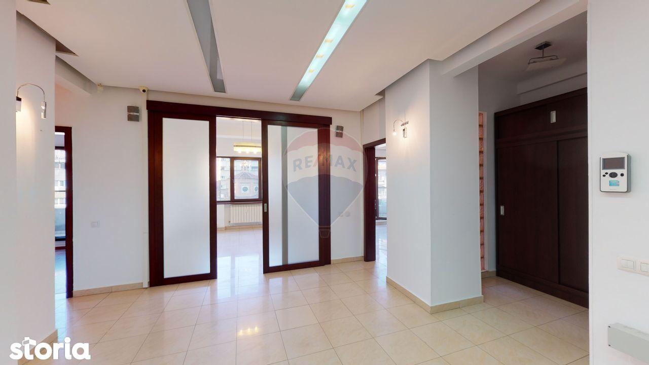 Apartament spatios (150 mp) de închiriat ULTRACENTRAL Universitate