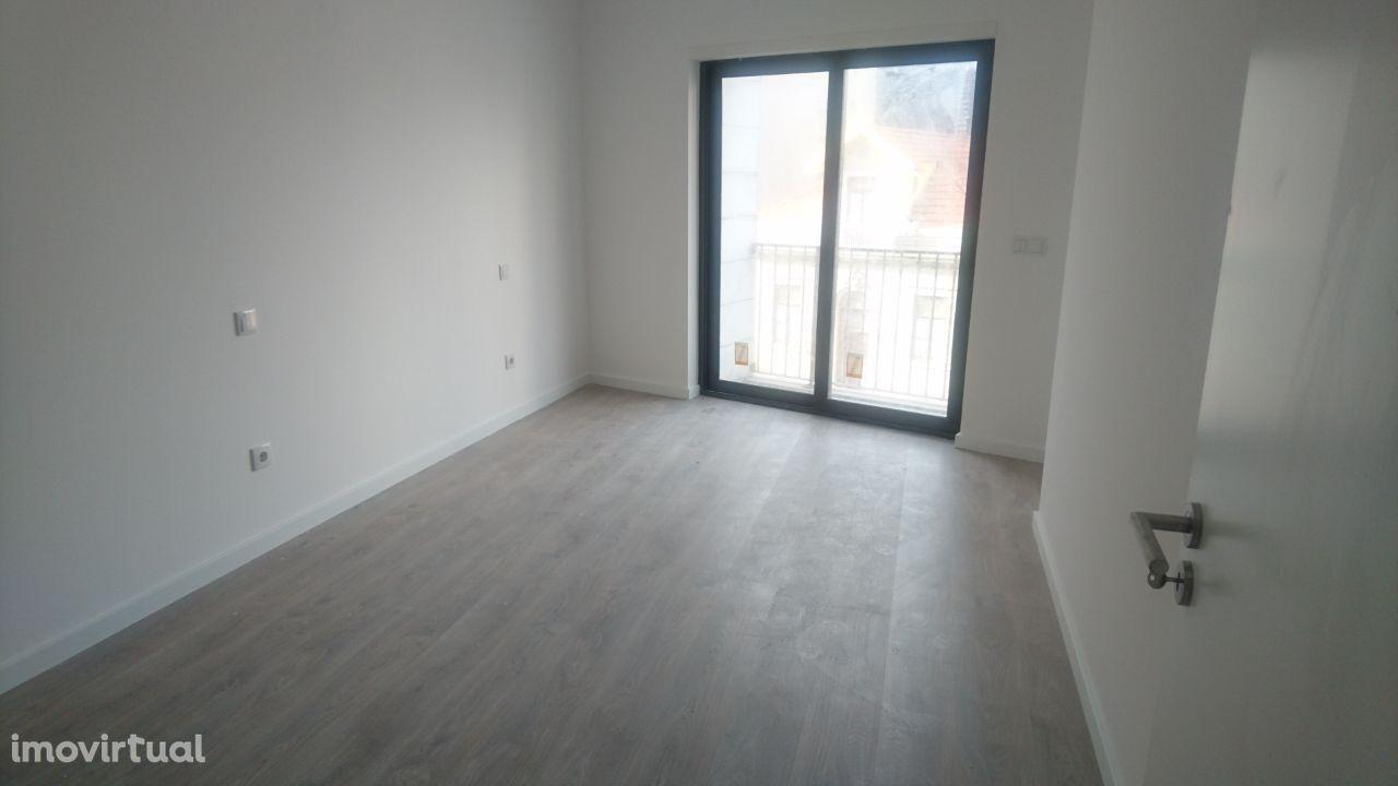 Arrendo Apartamento T2 ( Novo ) Póvoa Varzim Centro/Metro