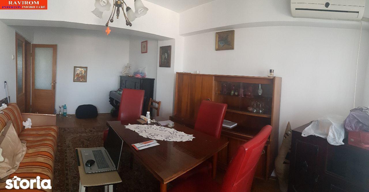 Apartament patru camere decomandate, ultracentral, 2 balcoane, 2 bai