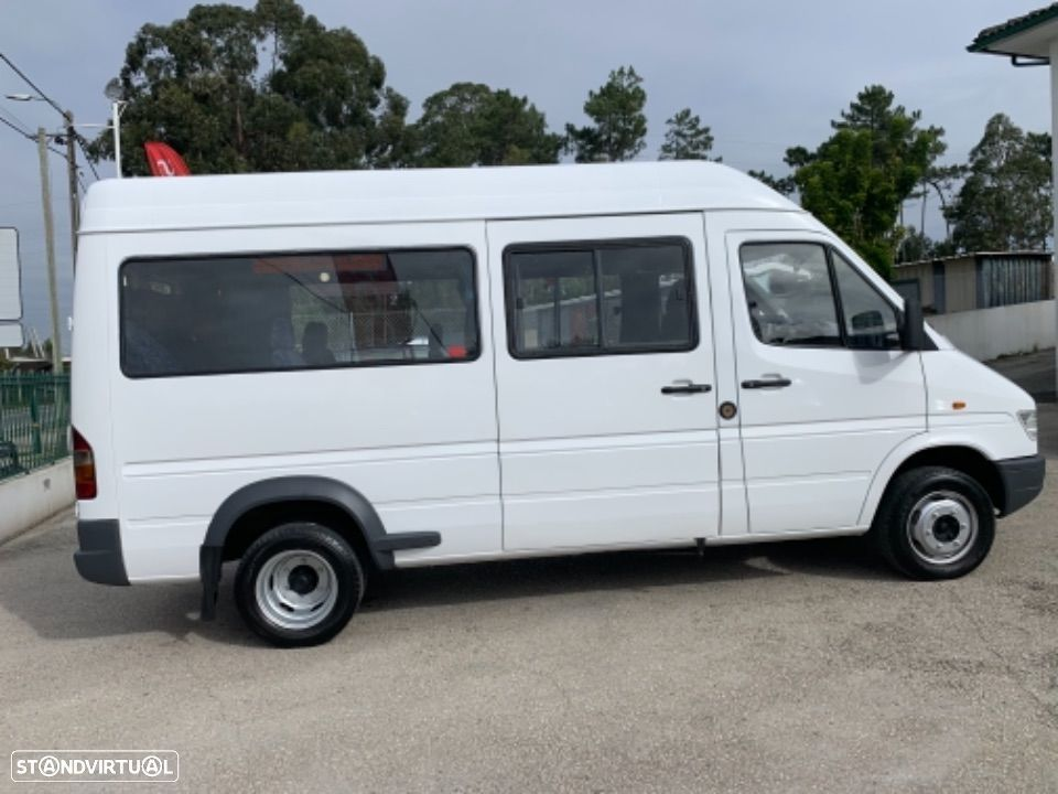 Mercedes Benz Sprinter 412 D  13 lugares - 11