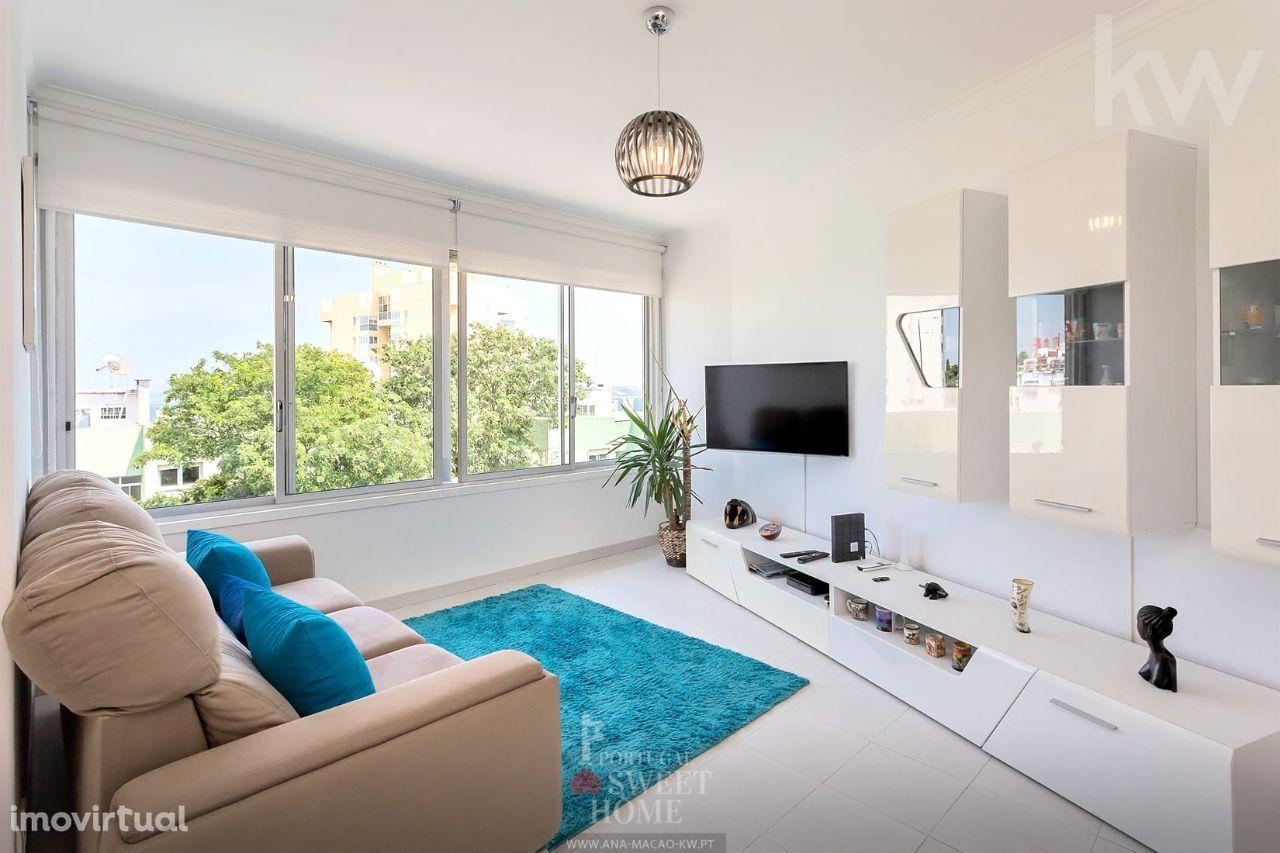 Paço de Arcos, Terrugem, Apartamento T2 renovado, com vista mar
