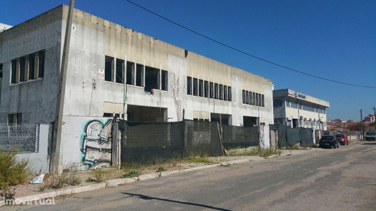 Armazém Industrial na Falagueira-Venda Nova, Amadora