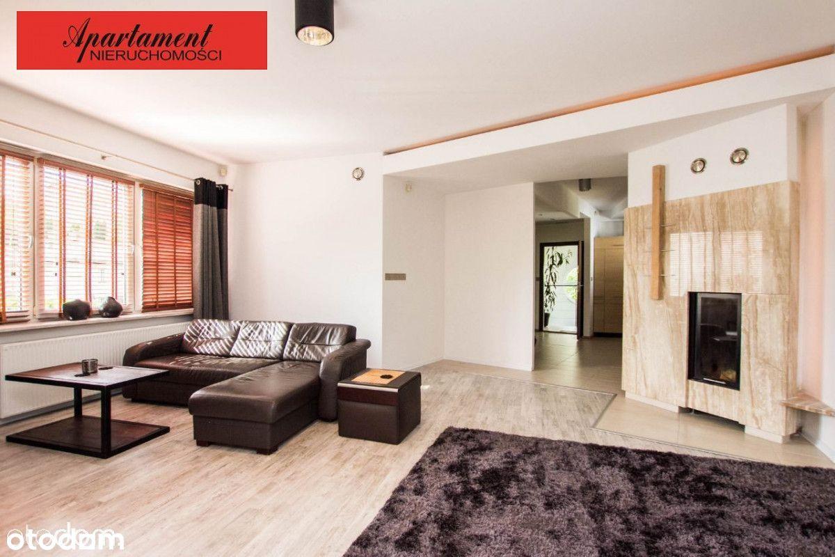 Komfortowy, przestronny dom z parkingiem- Redłowo