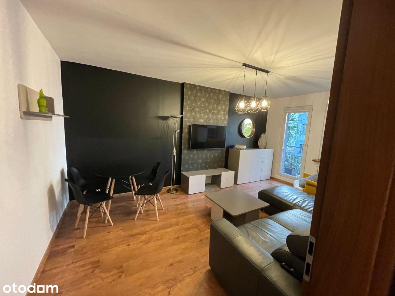 # # Komfortowe mieszkanie w super lokalizacji # #