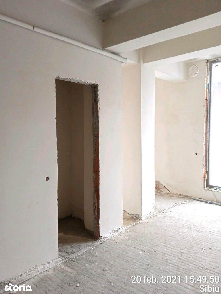 Etaj 1. Apartament cu 3 camere cu garaj. Doamna Stanca Ostirii Rahova