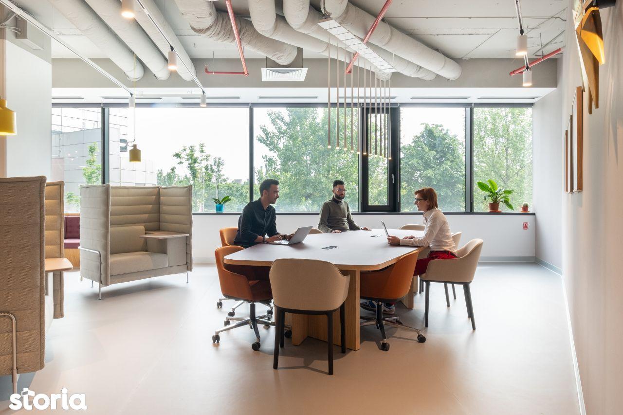 Birou de tip open plan 1 + 10 spații de lucru