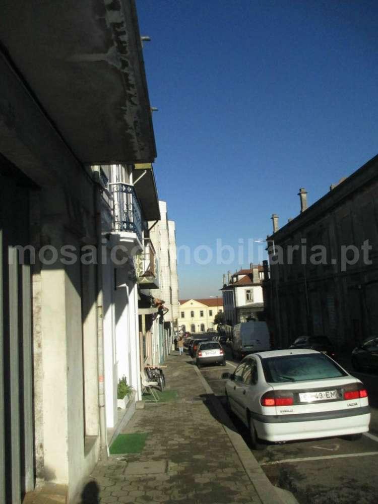 Prédio para comprar, Mafamude e Vilar do Paraíso, Porto - Foto 2