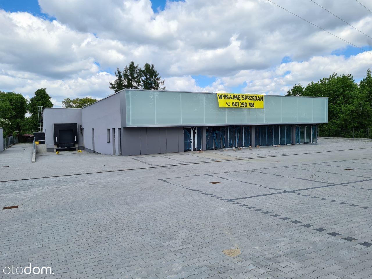 Budynek handl-usł w Pomiechówku bezp przy DK62