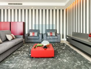 T4 com Terraço em Condomínio de Luxo em Algés