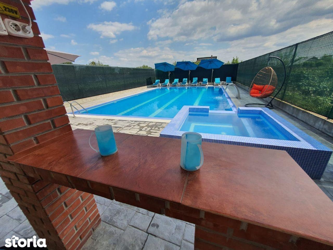 Locatie evenimente/petreceri la piscina, jacuzzi, piscina interioara