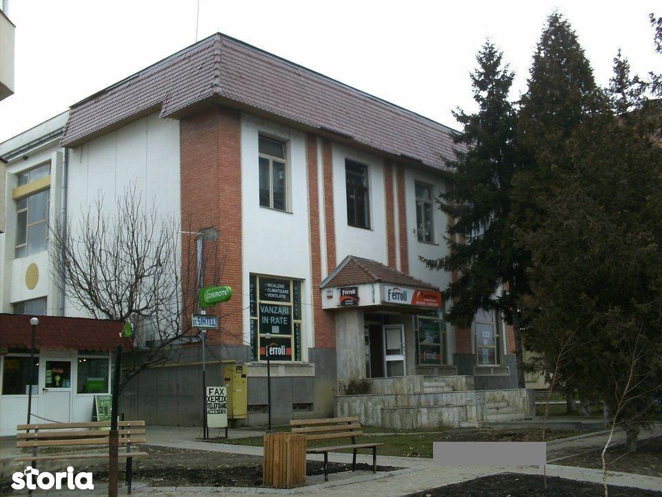 Cladire comerciala/birouri, Valenii de Munte