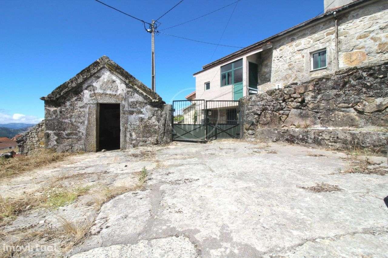 Moradia para comprar, Sezelhe e Covelães, Montalegre, Vila Real - Foto 1