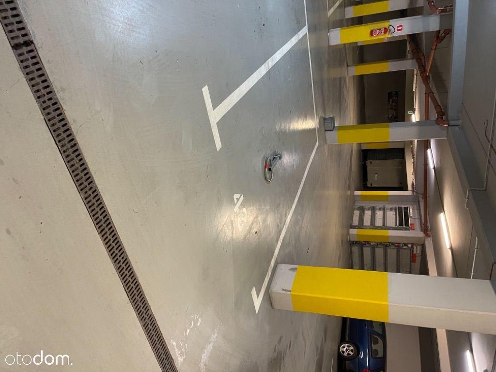 Sprzedam miejsce parkingowe w bud. na -1 Długosza