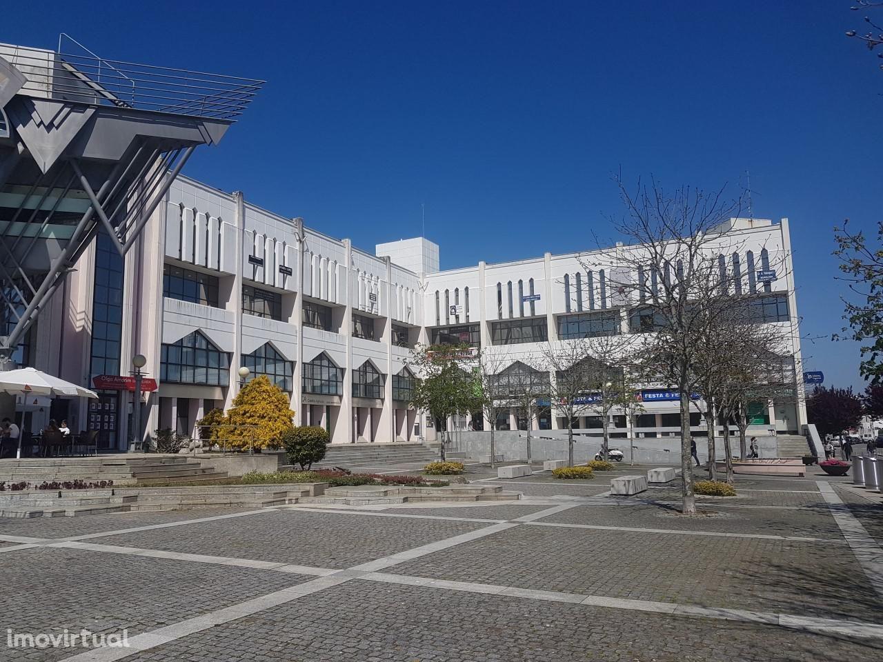 Escritório na Praça 1º de Maio - Centro de Viana do Castelo