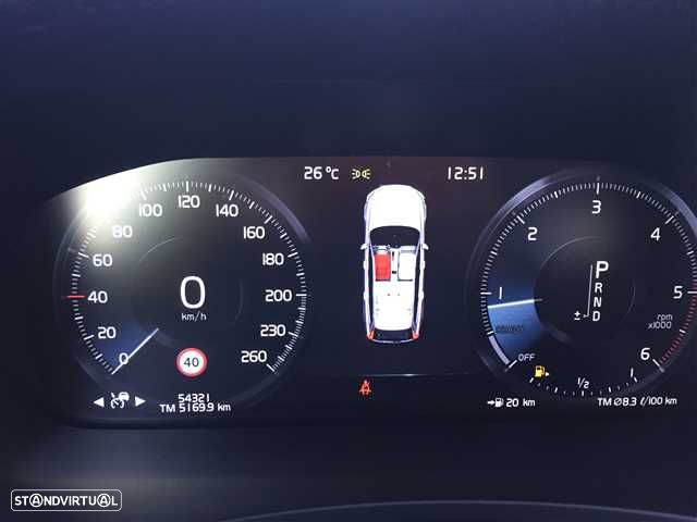 Volvo V90 2.0 D4 Momentum Geartronic - 9