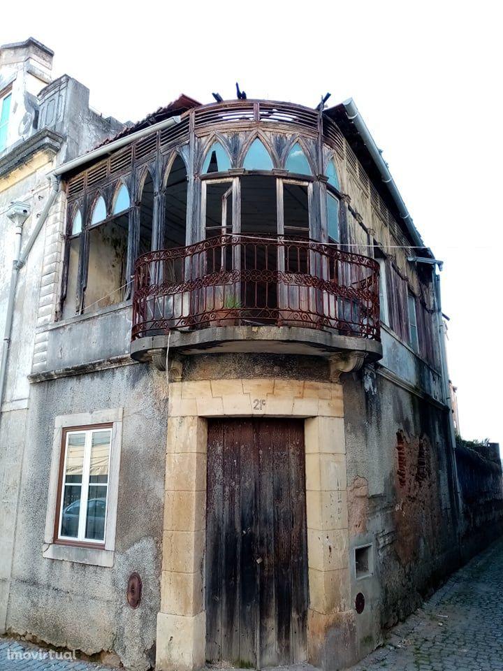 Centenária Casa Senhorial localizada no centro da bonita vila de Mação