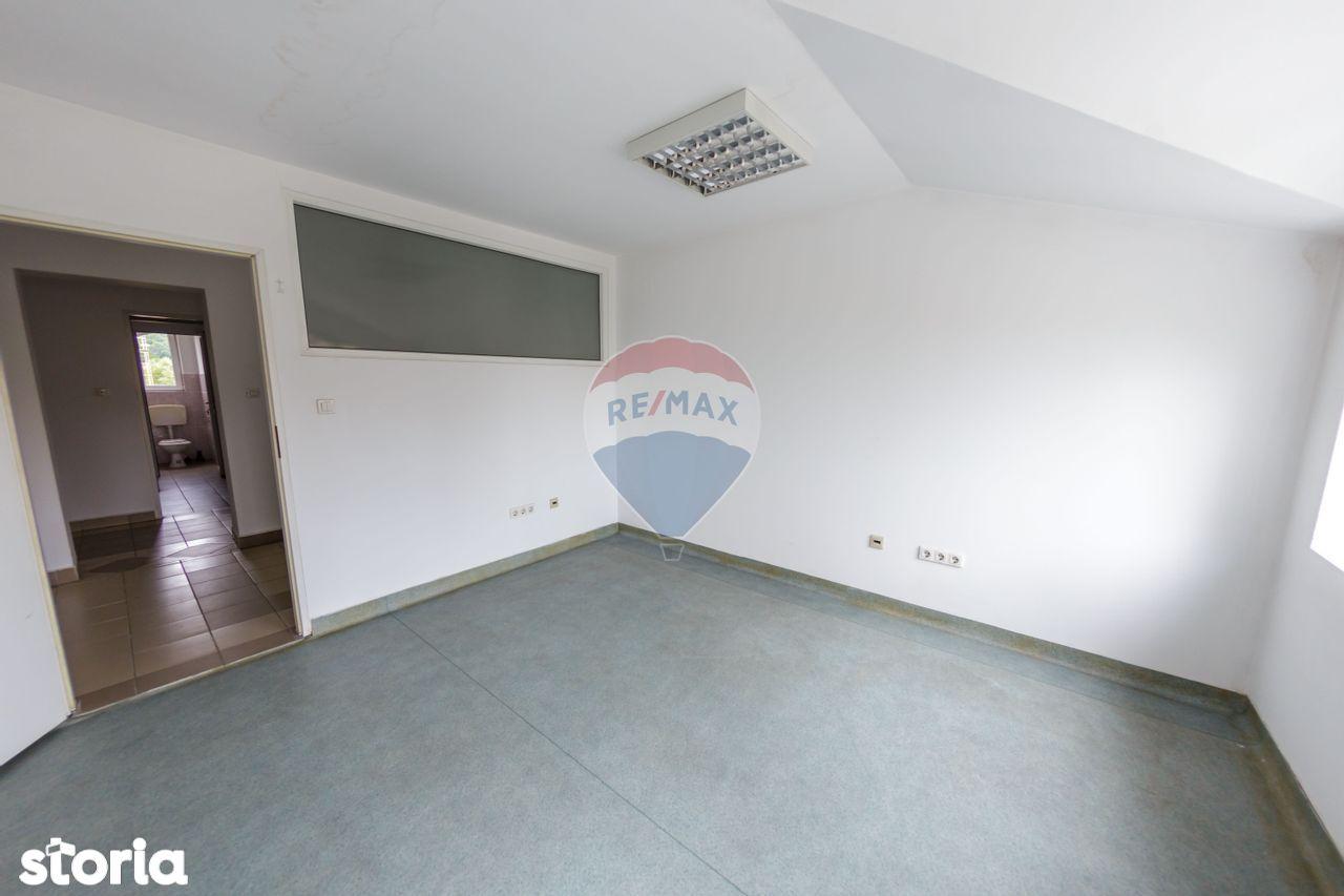 Cabinete medicale sau birouri -360mp de închiriat în zona Vest