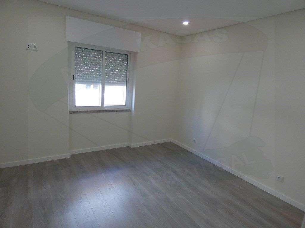 Apartamento para comprar, Rua Elias Garcia, Falagueira-Venda Nova - Foto 10