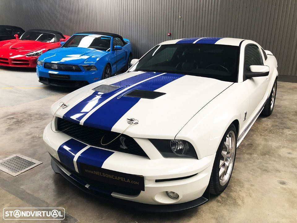 Ford Mustang Shelby GT500 V8 5.4 Supercharged - 2