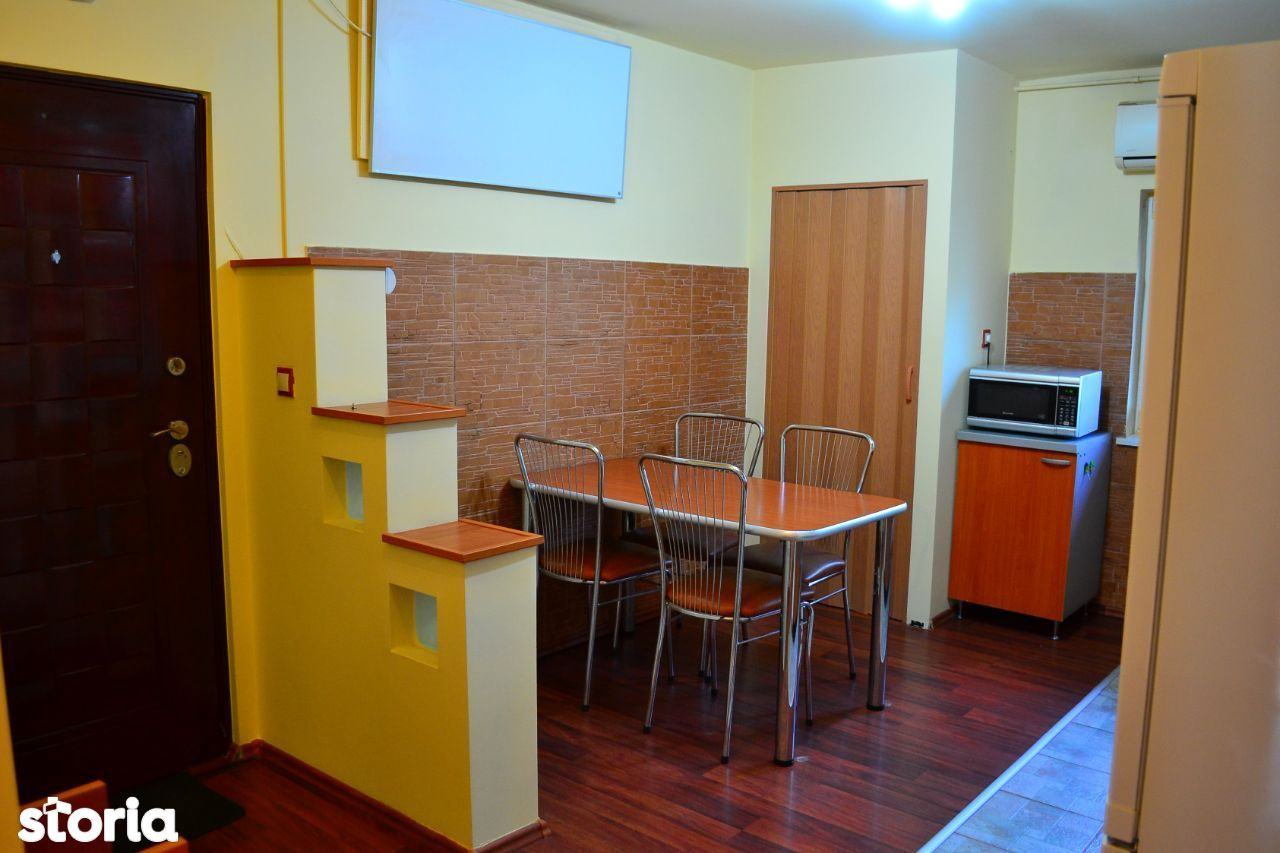 Apartament 3 camere, zona Dâmbovița (Hotel Ambasador)