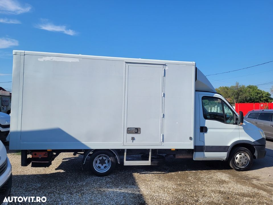 Iveco Daily 35C13 box si lift  AC finantare leasing  an 2014 - 2