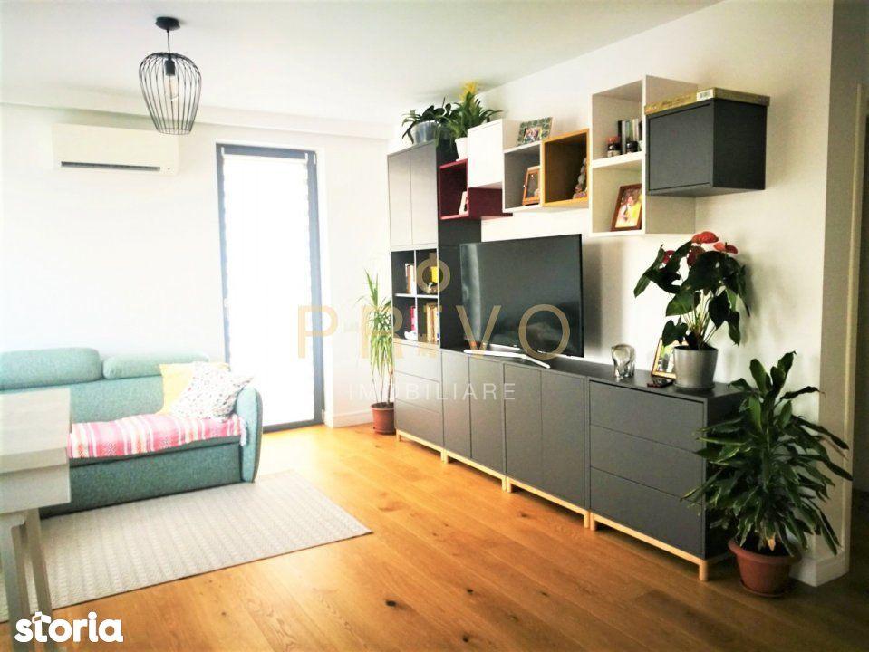 Apartament 2 camere, garaj, ultrafinisat, zona Riviera.