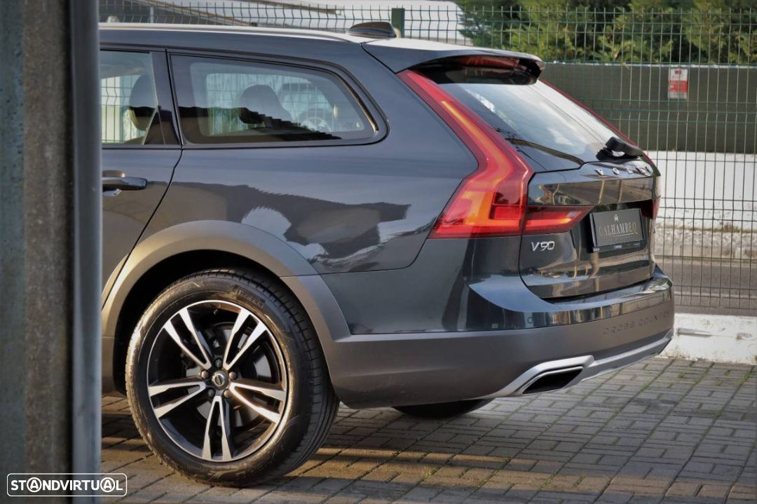 Volvo V90 Cross Country 2.0 D4 Pro AWD Geartronic - 7