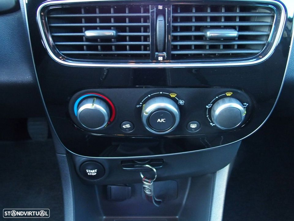 Renault Clio 1.5 Dci LIMITED GPS - 20