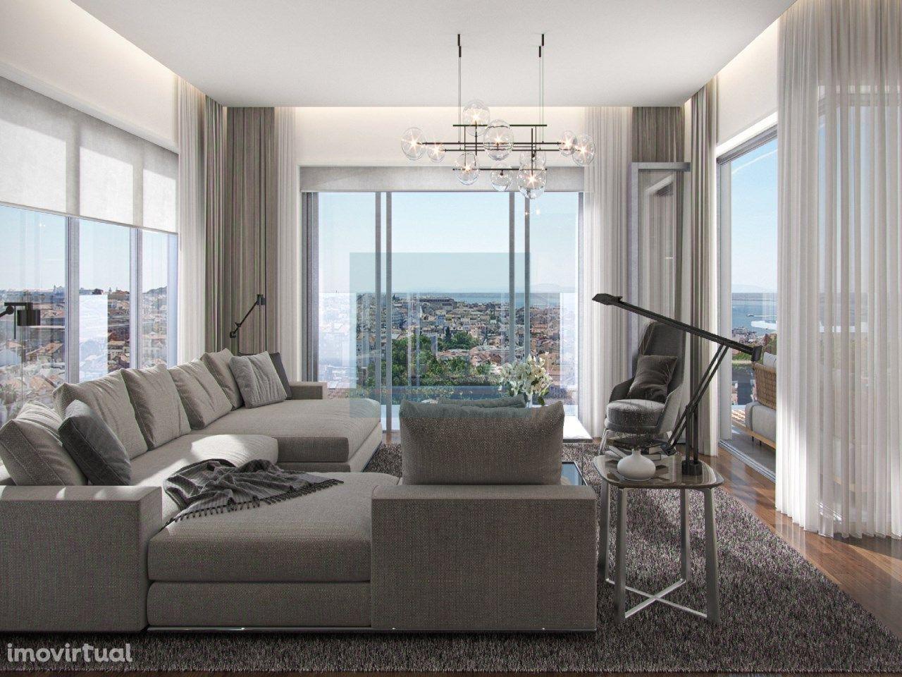 Apartamento T5 com jacuzzi e vista rio na Estrela.