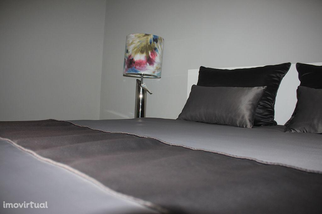 Quarto individual com cama XL em apartamento perto do Polo Universit.