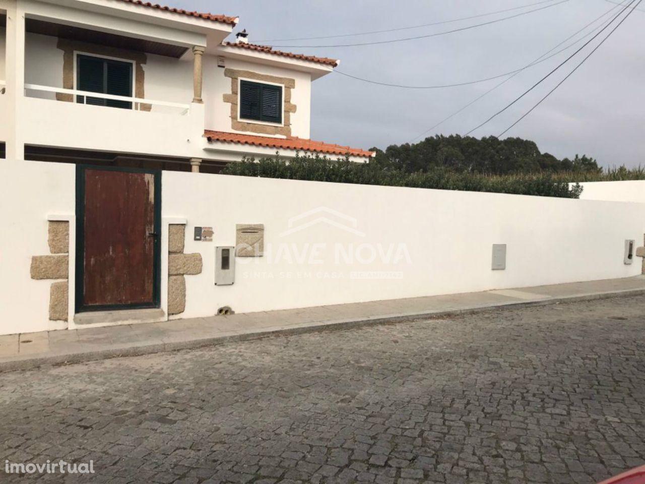 Moradia V4 nova de 3 frentes a 350mt da praia Vila Chã, Vila do Conde