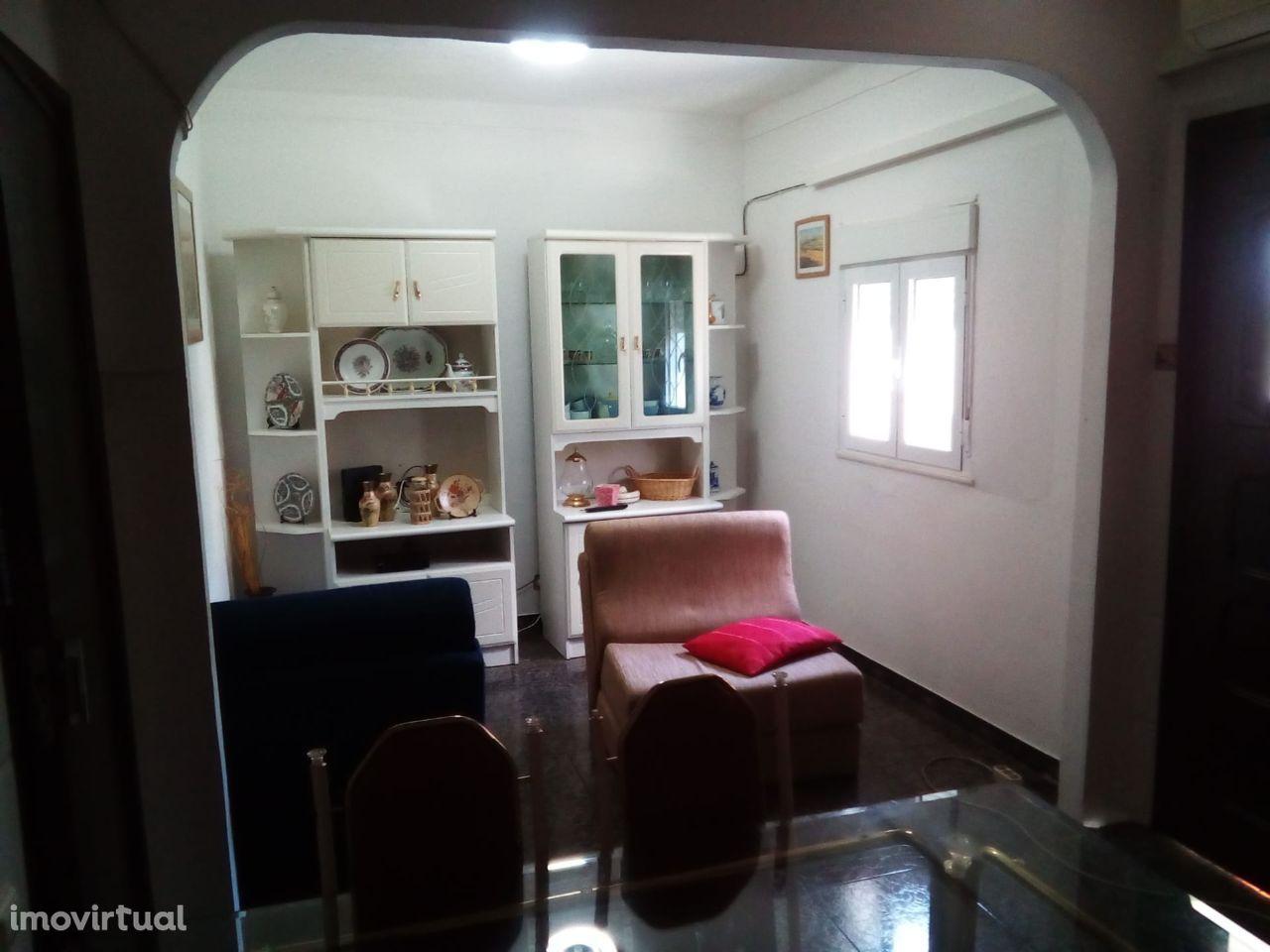 Vendo Apartamento T2 em Mourão