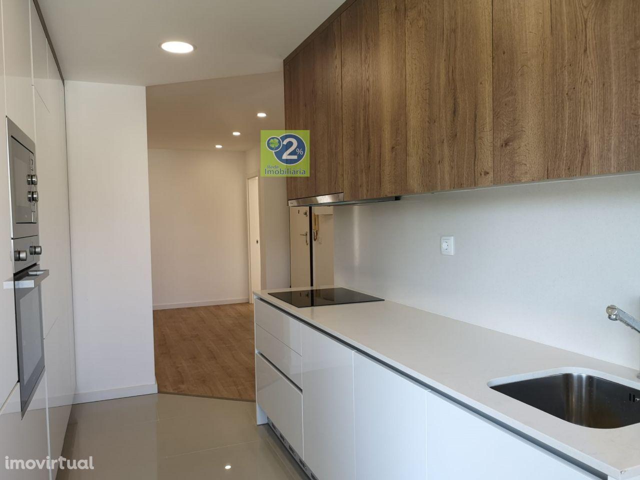 Apartamento T4! Boa exposição solar! Remodelado!