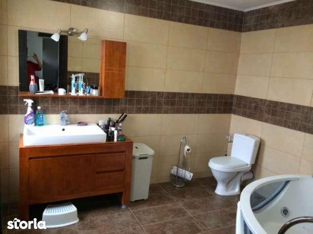 Casa finalizata TRIPLEX 4 camere canalizare,apa Direct Dezvoltator