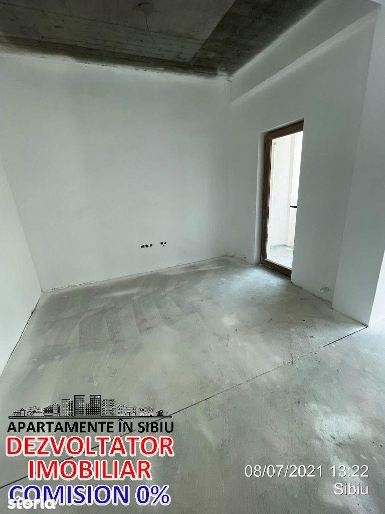 Apartament cu 3 camere etaj 1 cu parcare Drum asfaltat si curte pavata
