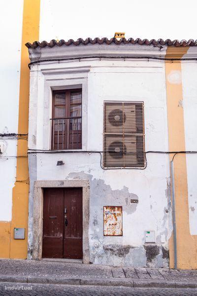 Prédio em Évora, União Das Freguesias De Évora (São Mamede, Sé, São Pedro E Santo Antão)