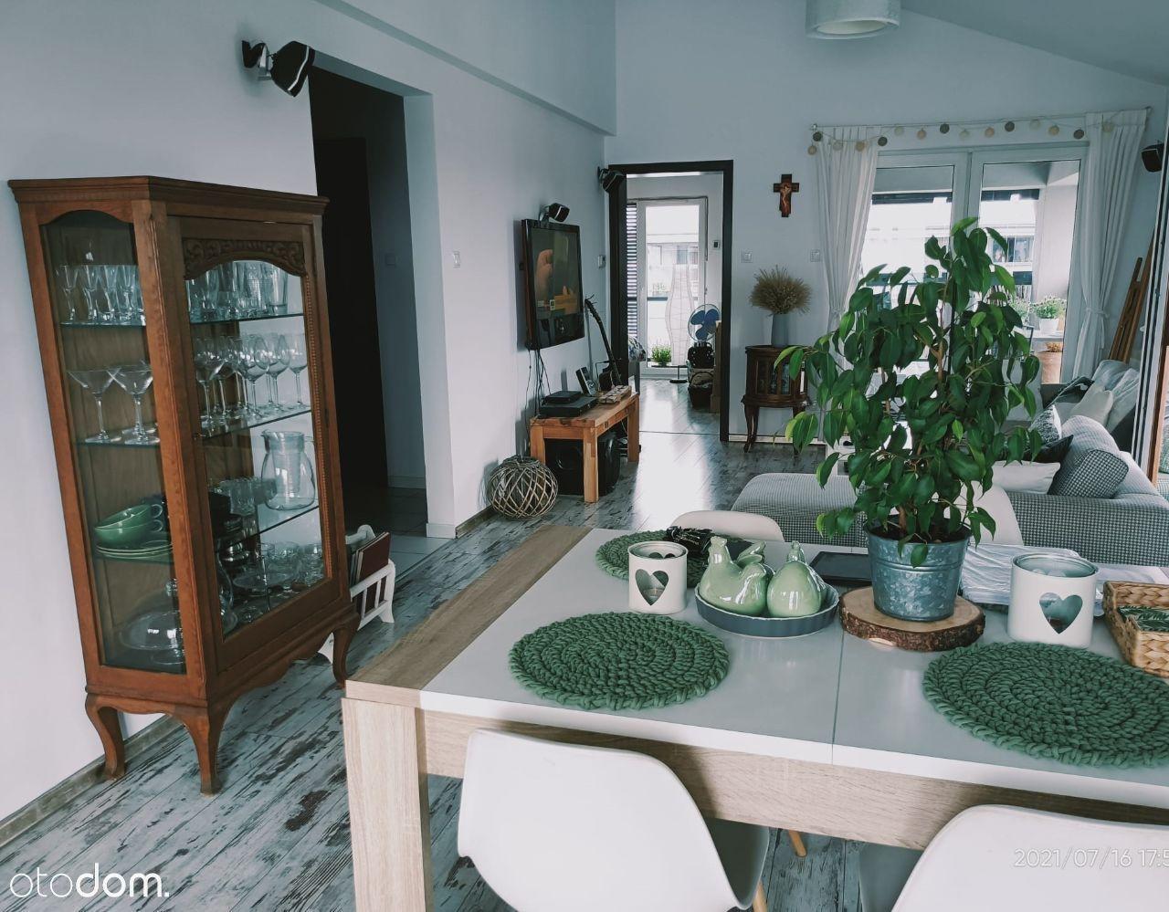 Sprzedam dwupokojowe mieszkanie w Dąbrówce