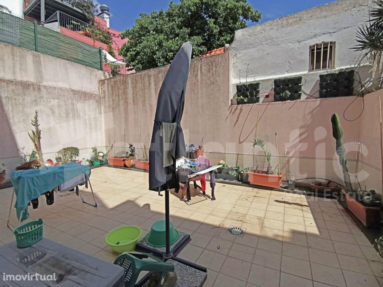Apartamento T3 com suite, terraço e garagem