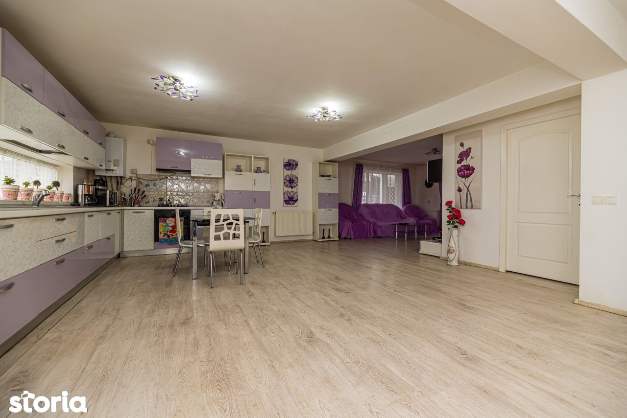 Vanzare Casa constructie 2014,Complex Valea Cu Flori,curte individuala