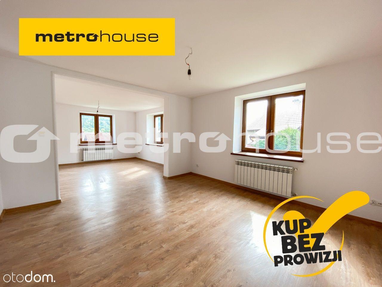 Piętrowy dom w Jeleśni po generalnym remoncie.