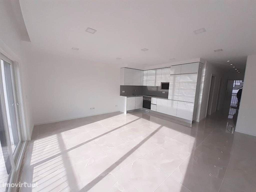 Apartamentos T2 Novos com Vista Mar!