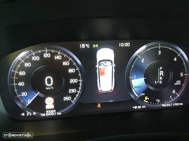 Volvo V60 2.0 D3 Momentum Geartronic - 20