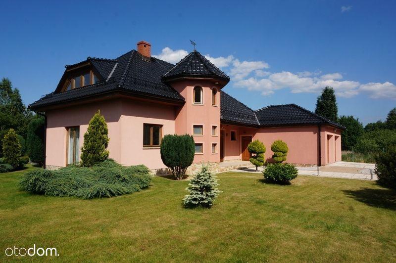 Dom jednorodzinny z pięknym ogrodem Sobieszów