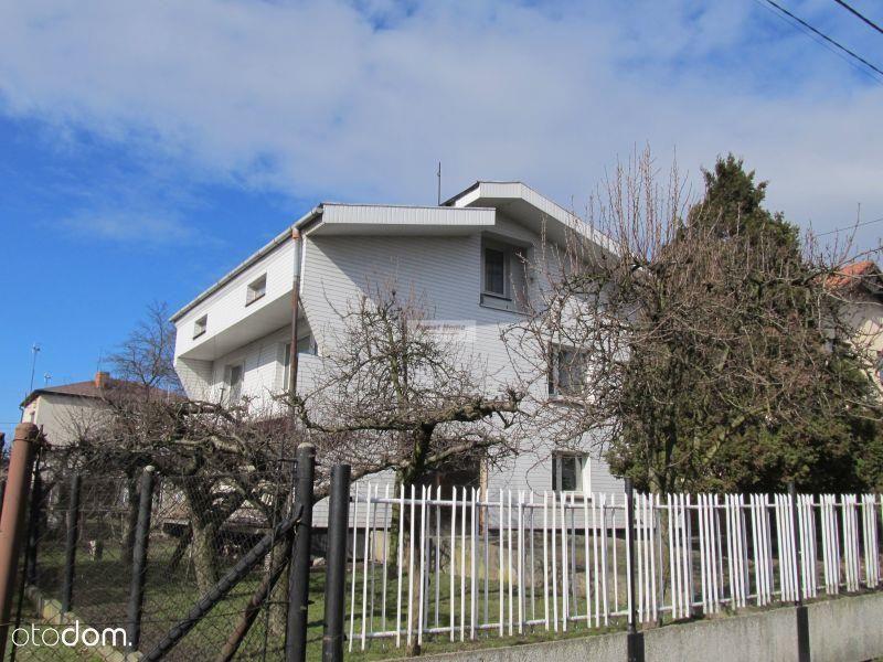 Dom w spokojnej dzielnicy Pszowa.