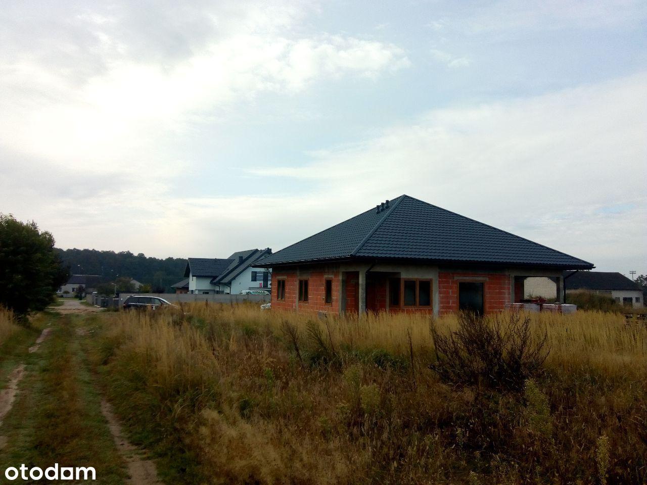Nowe domy koło Term Poddębice i Ośrodka Sportu