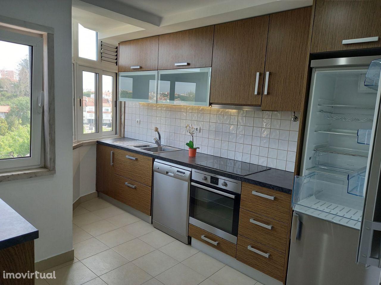 Apartamento 3 Assoalhadas, Carcavelos, Parede