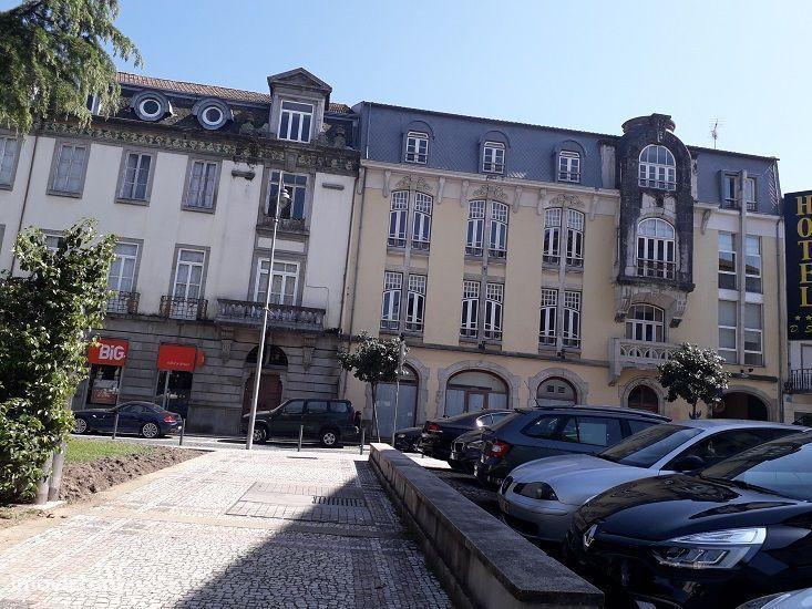Prédio no centro, S. João do Souto-Braga